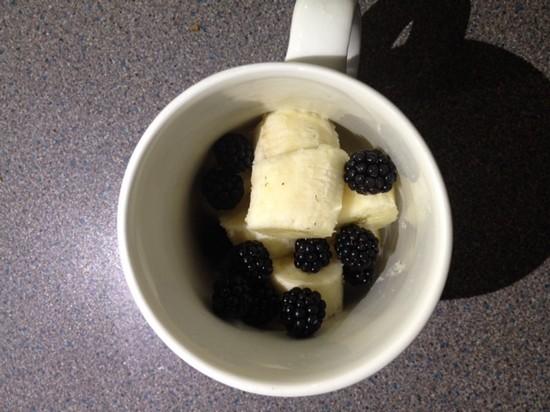 homemade banana and blackberry smoothie 2