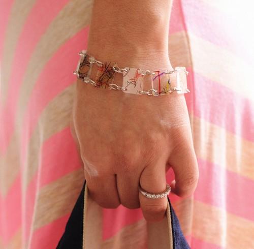 recycle fruit punnets into bracelet shrinkies